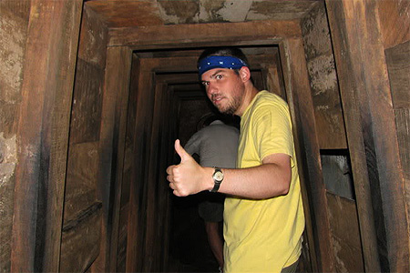 history_mcevlaine_vietnam_vinh_moc_tunnel