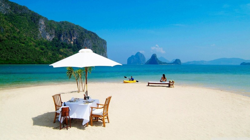wallpapers-Dinner-at-Beach-1366x768