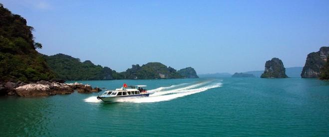 lac-long-quan-travel-09021518022014-tau-cao-toc-quan-lan