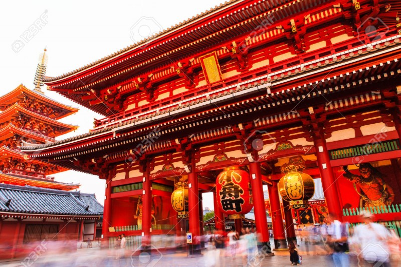 23129125-Sensoji-ji-Red-Japanese-Temple-in-Asakusa-Tokyo-Japan-Stock-Photo