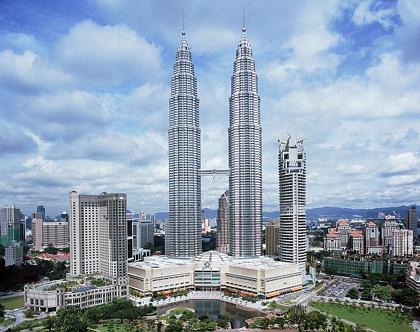 Toa-thap-doi-Petronas