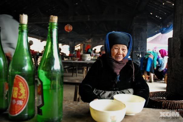 Về Mai Châu thưởng thức rượu Mai Hạ | iOneTour
